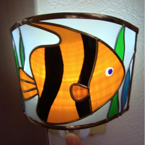 熱帯魚の足元ランプ